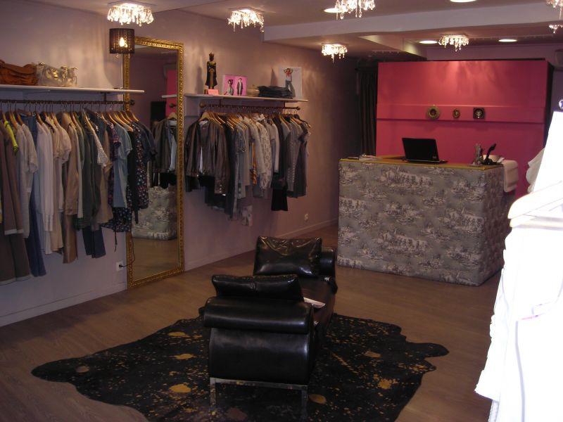 madame la marquise pret porter feminin. Black Bedroom Furniture Sets. Home Design Ideas